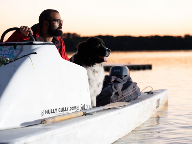 Ash_Murrell_Photographer_Rowing_canada_Man_Dog_Boat
